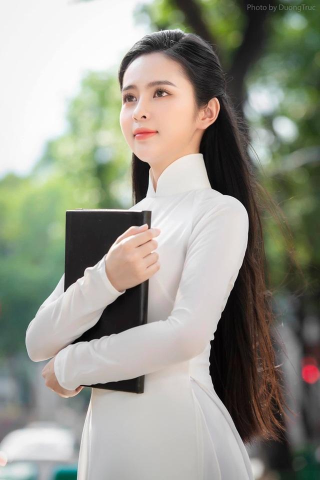 Nữ sinh Kon Tum nổi tiếng vì giống Lưu Diệc Phi thả dáng nuột nà với bikini - 16