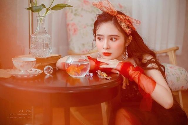 Nữ sinh Kon Tum nổi tiếng vì giống Lưu Diệc Phi thả dáng nuột nà với bikini - 19