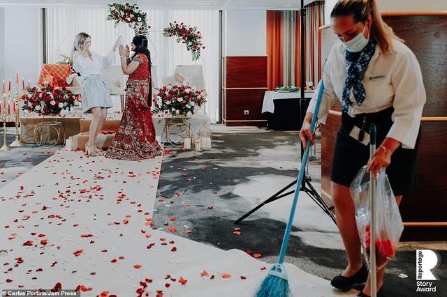 Lễ cưới trên khắp thế giới thay đổi chóng mặt thế nào trong năm 2020? - 4