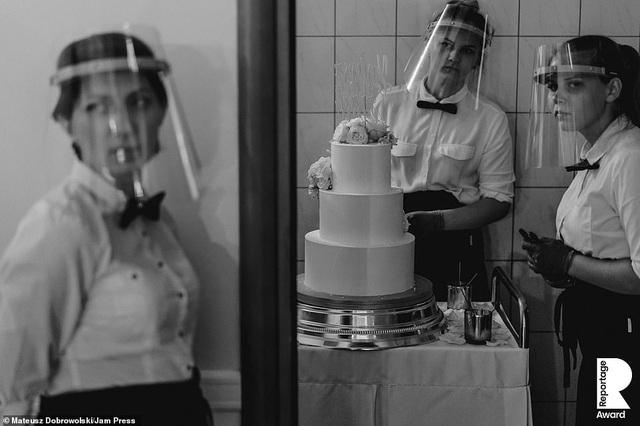 Lễ cưới trên khắp thế giới thay đổi chóng mặt thế nào trong năm 2020? - 8