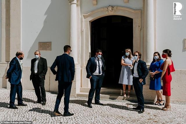 Lễ cưới trên khắp thế giới thay đổi chóng mặt thế nào trong năm 2020? - 19