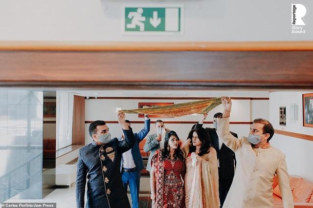 Lễ cưới trên khắp thế giới thay đổi chóng mặt thế nào trong năm 2020? - 22
