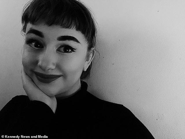 """Sửng sốt trước nhan sắc của """"truyền nhân Audrey Hepburn"""" - 6"""