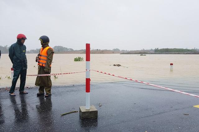 Thủy điện, hồ thủy lợi đồng loạt xả lũ, nguy cơ ngập úng hạ du - 3