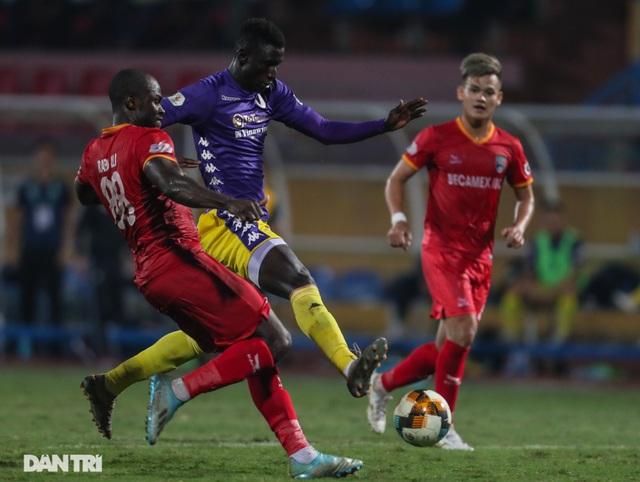 CLB Hà Nội chia tay hai ngoại binh sau khi kết thúc V-League - 1