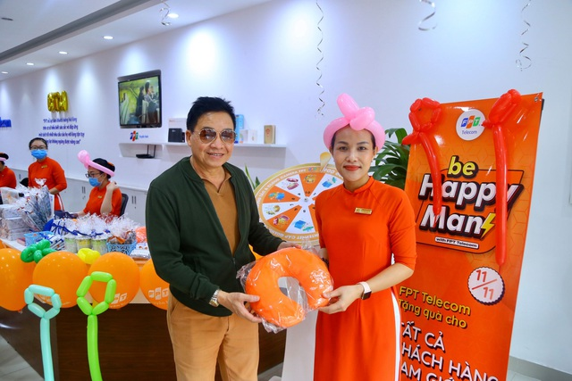 FPT Telecom bất ngờ tặng quà đặc biệt tới khách hàng nam trong ngày 11/11 - 1