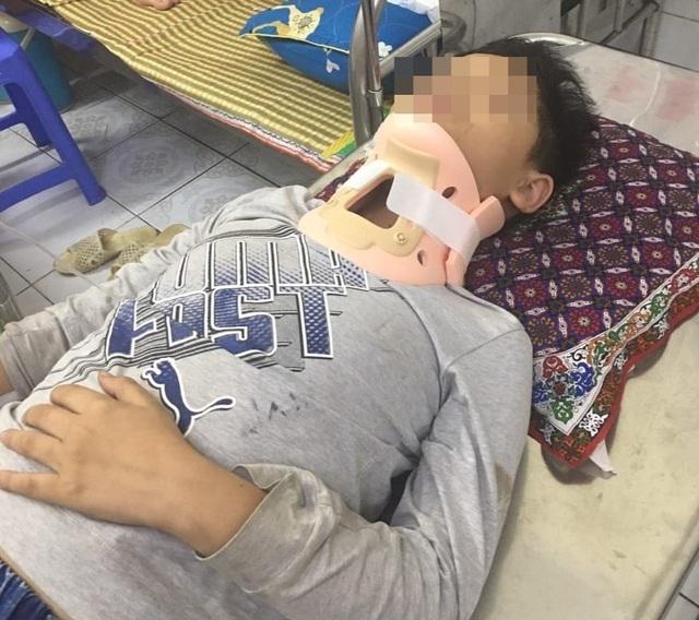 """Hưng Yên: Học sinh lớp 4 bị """"đàn anh"""" đánh đến nhập viện - 1"""