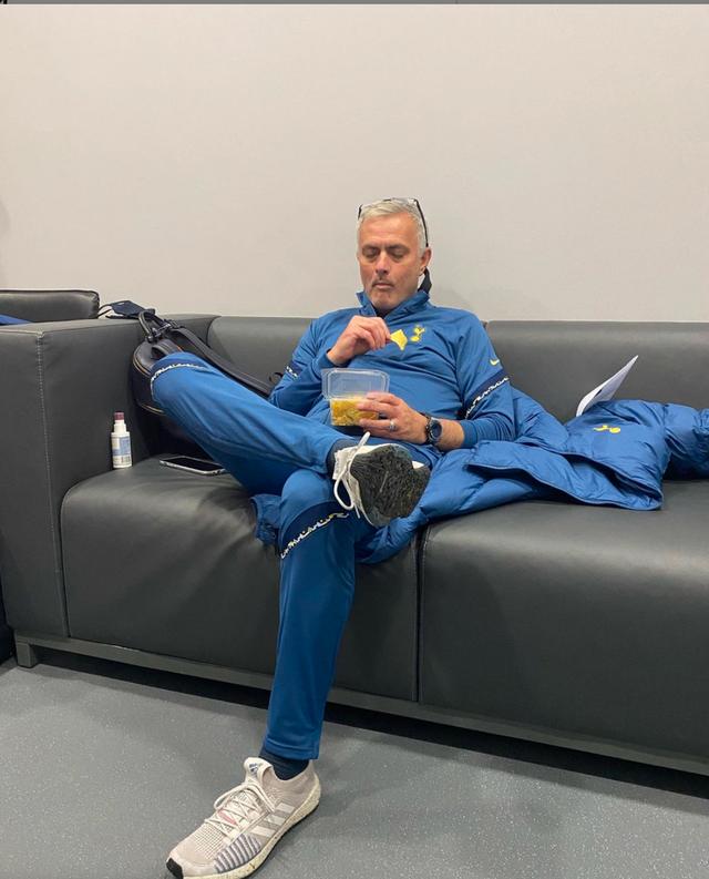 """Chế độ """"người đặc biệt"""" kích hoạt, Mourinho có thể vô địch Premier League - 1"""