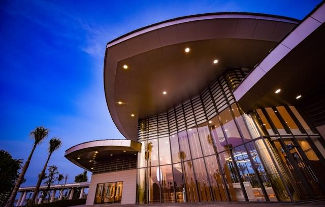 Nhà điều hành Gem Sky Worldlung linh với công nghệ cao, kỹ thuật ánh sáng - 4