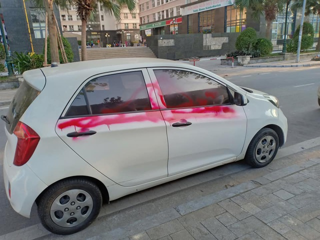 Xe bị xịt sơn ở KĐT Dương Nội: Văn hóa đỗ xe, thủ phạm và diễn biến bất ngờ - 2