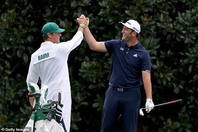 Cú hole in one khó tin của tay golf số 2 thế giới Jon Rahm ở Masters 2020 - 2