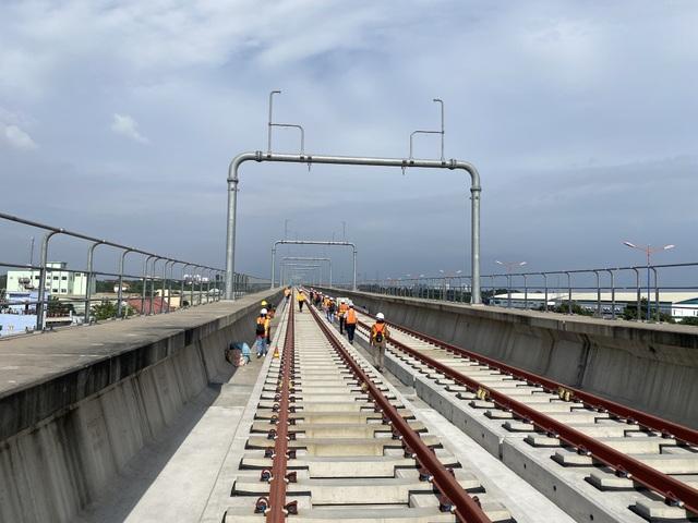 Phát hiện thêm gối cao su dầm cầu metro 1 bị dịch chuyển - 1