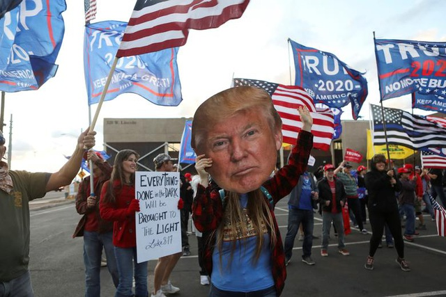 """Tranh cãi vụ người """"tố"""" gian lận bầu cử Mỹ thừa nhận thêu dệt cáo buộc - 1"""