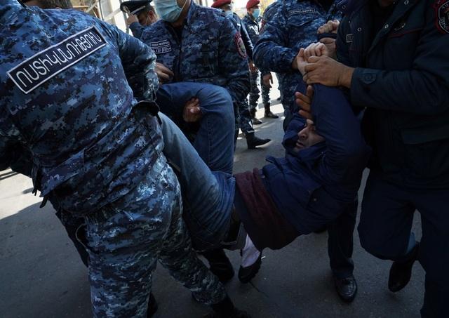Vì sao người Armenia giận dữ về thỏa thuận đình chiến với Azerbaijan? - 3