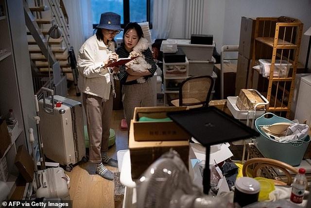 Kỳ lạ nghề xếp dọn tủ đồ cho giới nhà giàu - 3