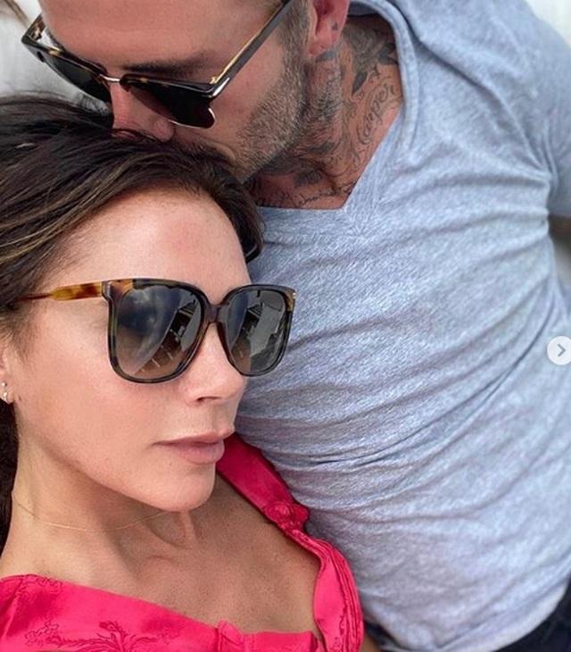 Victoria Beckham và lần hiếm hoi để lộ mặt mộc - 8