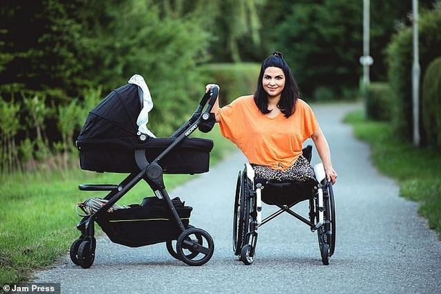 Cuộc sống gia đình viên mãn của người phụ nữ mất đi đôi chân ở tuổi 18 - 28