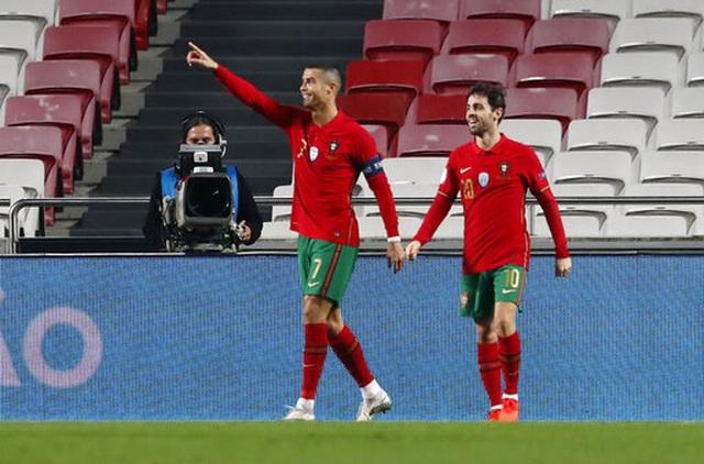 """C.Ronaldo lập công, Bồ Đào Nha thắng tới """"7 sao"""" - 1"""