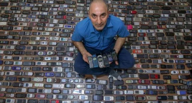 Choáng với bộ sưu tập 1000 chiếc điện thoại của người thợ Thổ Nhĩ Kỳ - 1