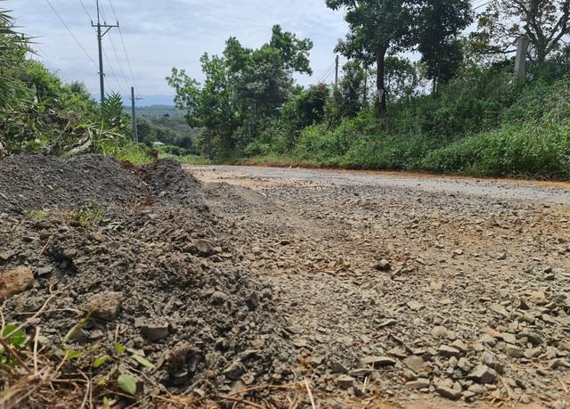 Ngán ngẩm cảnh đường vào khu di tích quốc gia bị cày nát tại Đắk Nông - 3