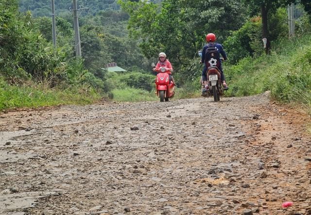 Ngán ngẩm cảnh đường vào khu di tích quốc gia bị cày nát tại Đắk Nông - 2