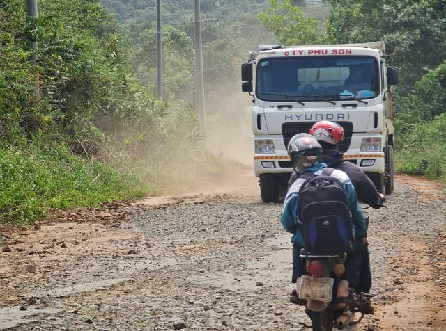 Ngán ngẩm cảnh đường vào khu di tích quốc gia bị cày nát tại Đắk Nông - 5