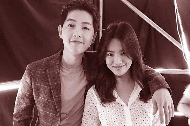 Chồng cũ Song Hye Kyo tung ảnh vào ngày lễ độc thân, hé lộ cát sê khủng - 1
