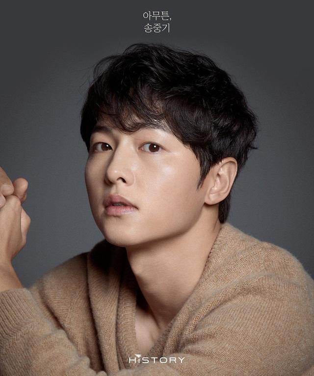 Chồng cũ Song Hye Kyo tung ảnh vào ngày lễ độc thân, hé lộ cát sê khủng - 3