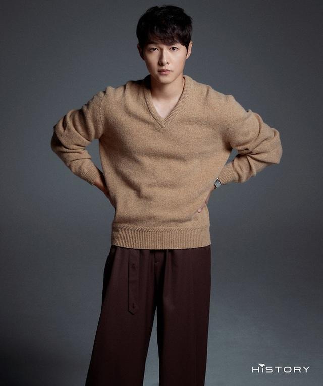 Chồng cũ Song Hye Kyo tung ảnh vào ngày lễ độc thân, hé lộ cát sê khủng - 2