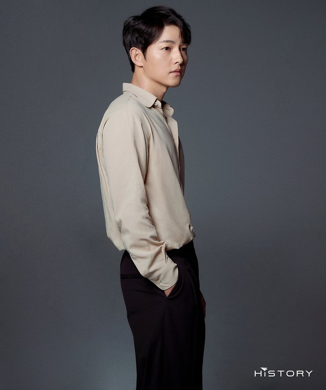 Chồng cũ Song Hye Kyo tung ảnh vào ngày lễ độc thân, hé lộ cát sê khủng - 7