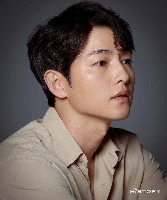 Chồng cũ Song Hye Kyo tung ảnh vào ngày lễ độc thân, hé lộ cát sê khủng - 4