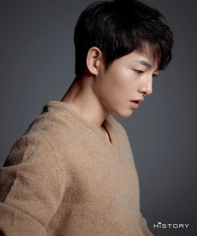 Chồng cũ Song Hye Kyo tung ảnh vào ngày lễ độc thân, hé lộ cát sê khủng - 5