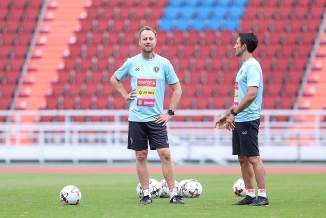 Tuyển Thái Lan chuẩn bị nghiêm túc cho trận gặp đội Thai-League All Stars - 12