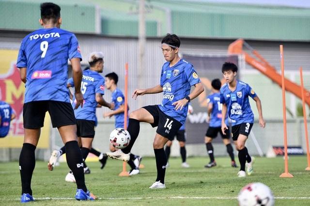 Tuyển Thái Lan chuẩn bị nghiêm túc cho trận gặp đội Thai-League All Stars - 6