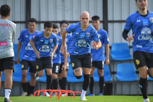 Tuyển Thái Lan chuẩn bị nghiêm túc cho trận gặp đội Thai-League All Stars - 2