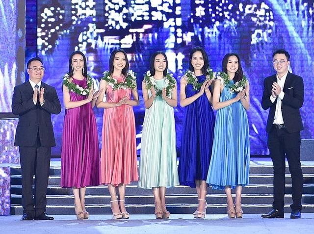 Lộ diện Top 5 Người đẹp Biển Hoa hậu Việt Nam 2020 - 8