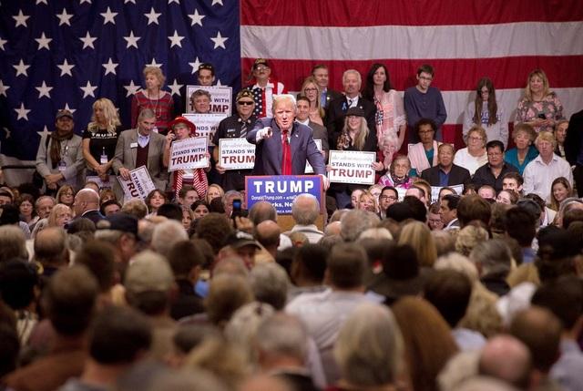 Các ngôi sao âm nhạc phản đối Tổng thống Donald Trump - 1