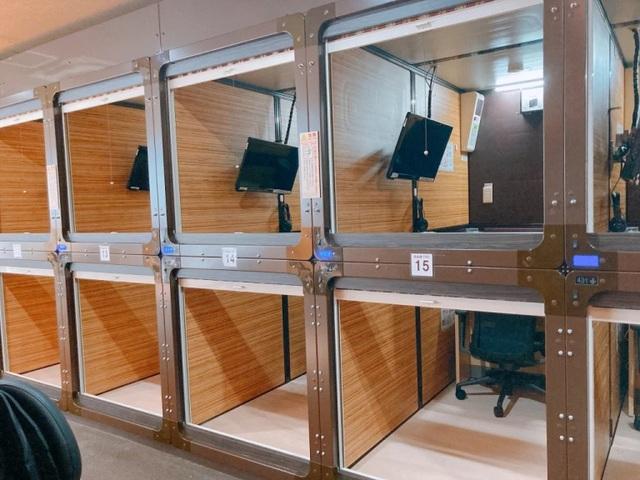 Bên trong văn phòng con nhộng tại Nhật: Miễn phí Wi-Fi, TV, sạc điện... - 1