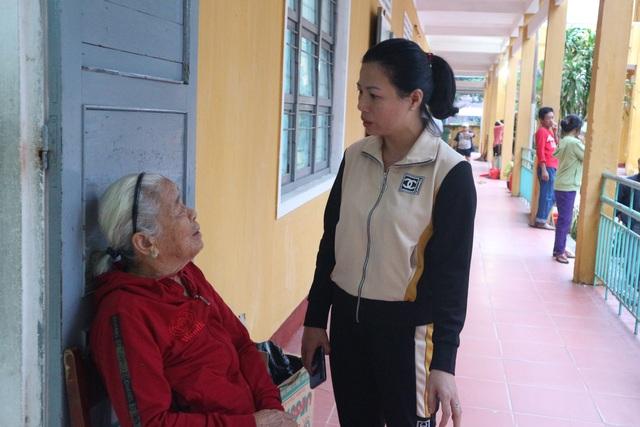 Quảng Nam sơ tán 161.000 người ra khỏi vùng nguy hiểm trước 12h ngày 14/11 - 1
