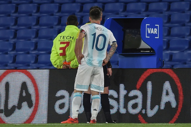 Messi đen đủi, Argentina đứt mạch toàn thắng ở vòng loại World Cup - 7