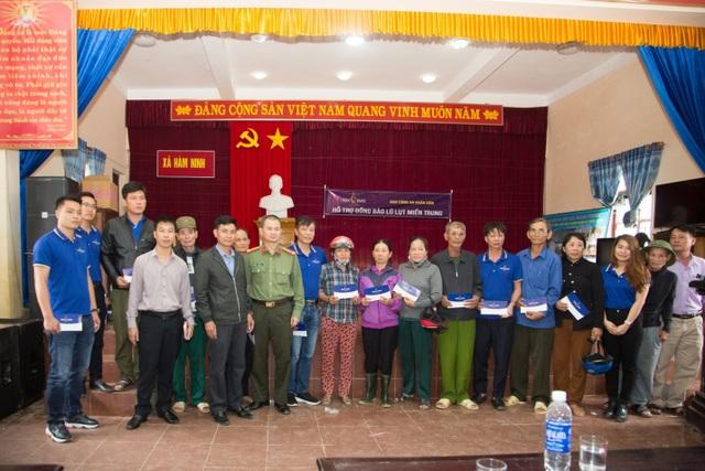 Người dân xứ Quảng rưng rưng nhận hỗ trợ - 10