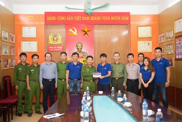 Người dân xứ Quảng rưng rưng nhận hỗ trợ - 11
