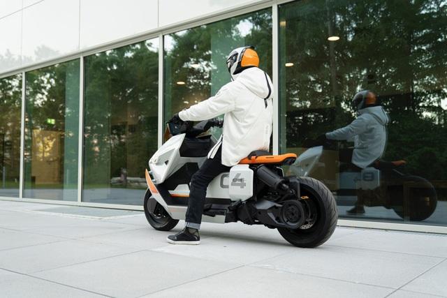 BMW CE04 - Cái nhìn mới về xe máy điện - 2