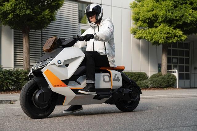 BMW CE04 - Cái nhìn mới về xe máy điện - 1