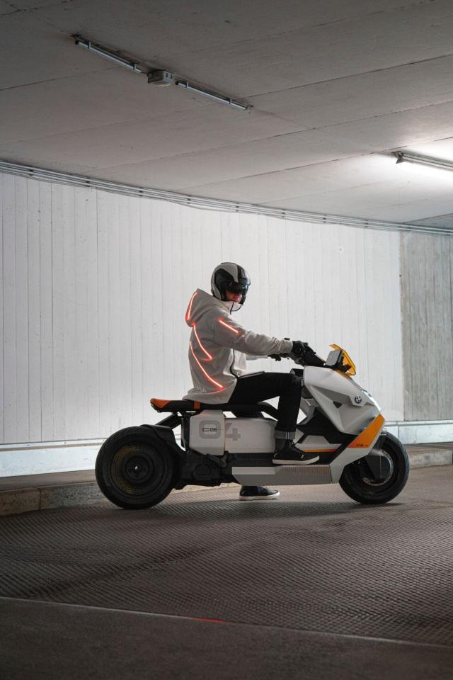 BMW CE04 - Cái nhìn mới về xe máy điện - 20