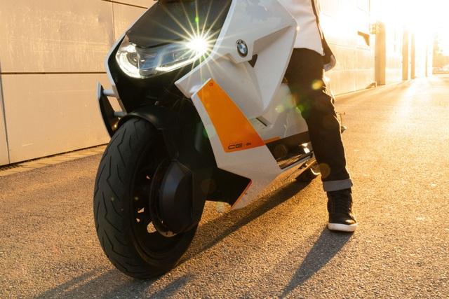 BMW CE04 - Cái nhìn mới về xe máy điện - 6