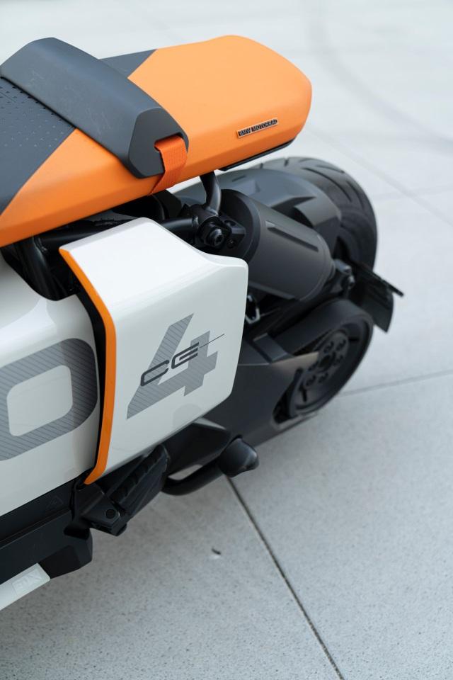 BMW CE04 - Cái nhìn mới về xe máy điện - 18