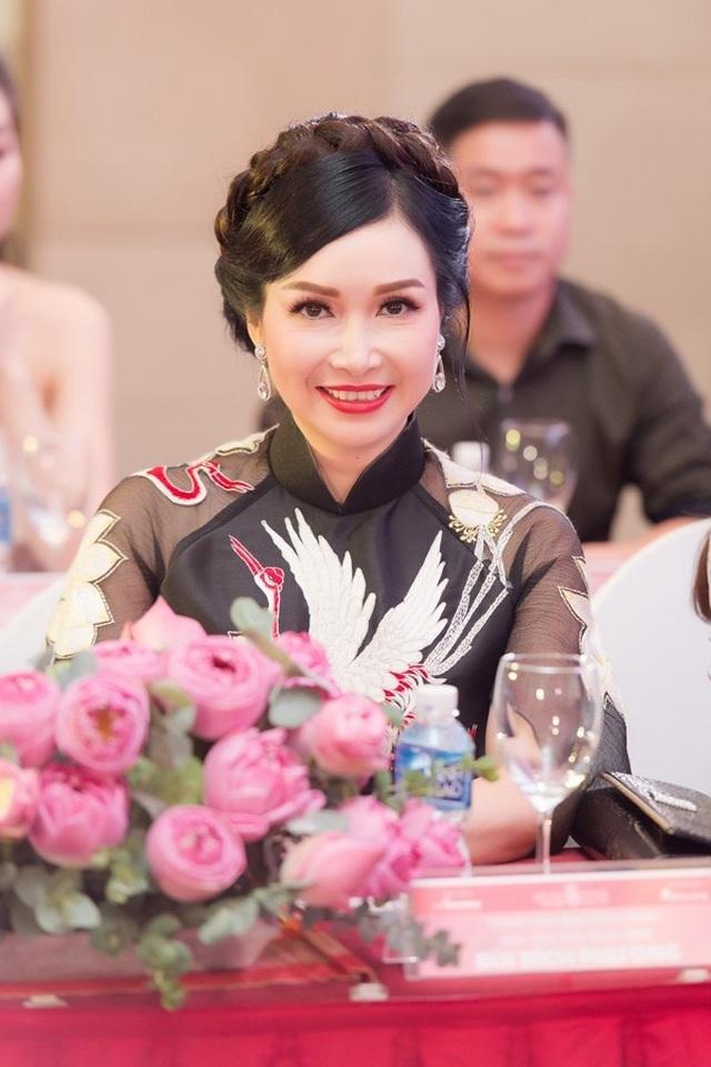 """Chuyện """"ly kỳ"""" ít biết về 3 hoa hậu danh giá đầu tiên của Việt Nam - 2"""