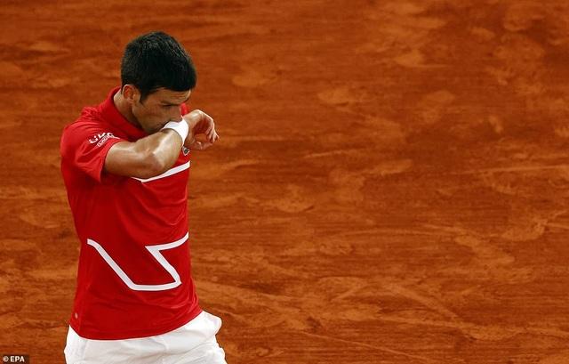 Nadal và Djokovic đối diện khó khăn ở vòng bảng ATP Finals 2020 - 2