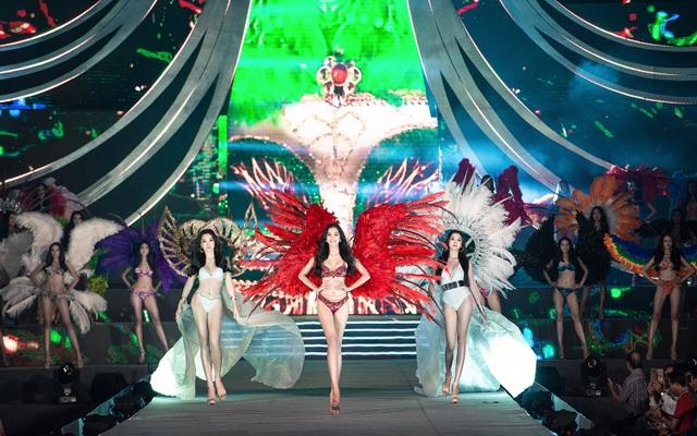 Trần Tiểu Vy, Phương Nga và Thúy An cùng Top 35 trình diễn bikini nóng bỏng - 7